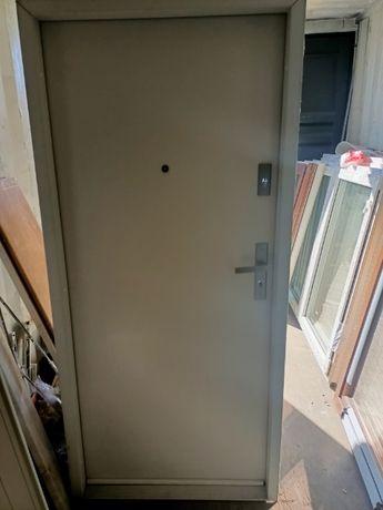 Drzwi wejsciowe stalowe