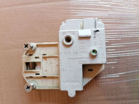 Zamek drzwi pralka Electrolux