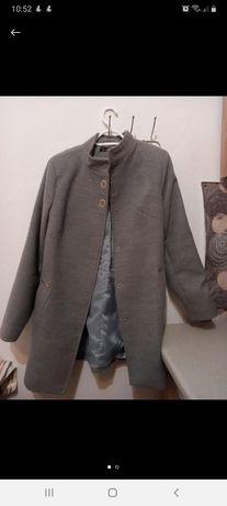 Продаю весняне пальто