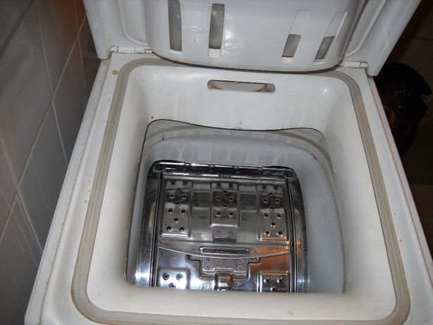 Стиральная машина Whirlpool AWT 2240