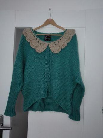 Sweter z kolnierzykiem