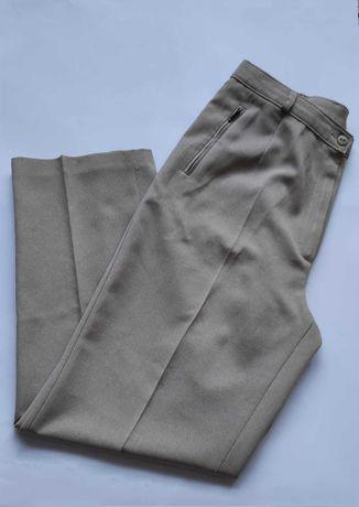 Beżowe spodnie w kant