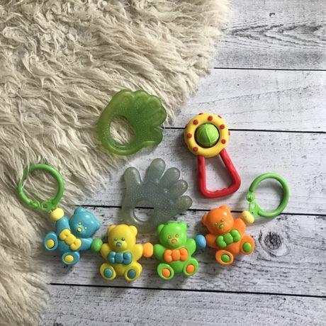 Набор игрушек на коляску кроватку грызунок погремушка