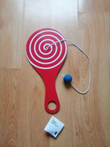 paletka z piłką na gumce - gra zręcznościowa
