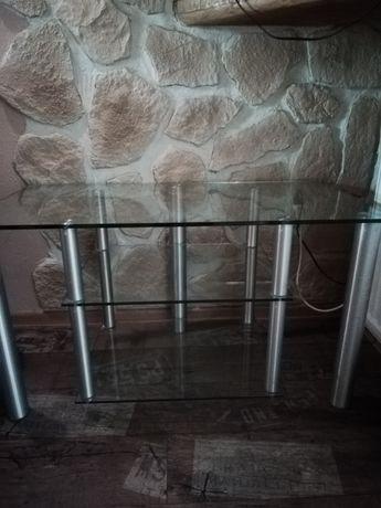 Szklany stolik pod telewizor