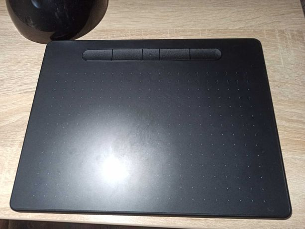 Графический планшет Wacom Intuos M Bluetooth Pistachio CTL-6100