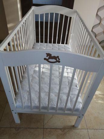 Łóżeczko białe z materacem