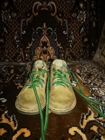 Продам черевички шкіряні осінні, дутіки зимові для дівчинки розмір 22