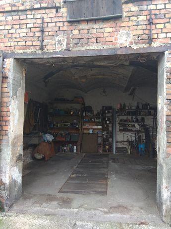 Sprzedam garaż 25m2 + strych- Kożuchów ul.1 Maja
