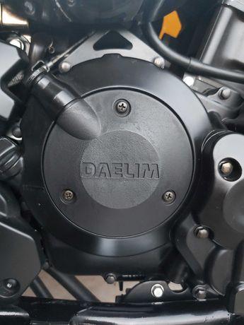 Moto 250 CC  em excelente estado