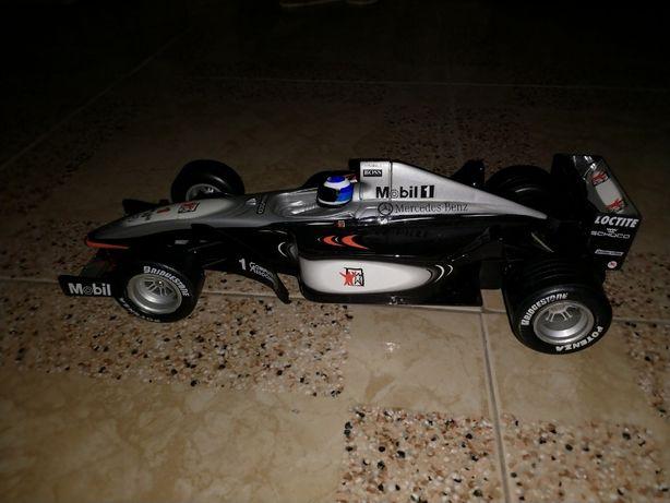 Carro telecomandado F1 Mclaren Mercedes
