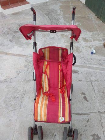 Cadeira de Passeio de criança Como Nova - Bom Preço