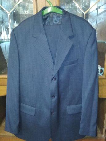 Продам чоловічий костюм