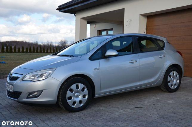 Opel Astra J 1.7 CDTI Edition Serwisowana Klima Super Stan Z Niemiec