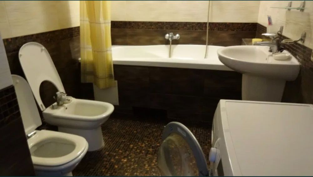 Крутой Молодежный хостел! Метро Олимпийская Метро Дворец Украины-1