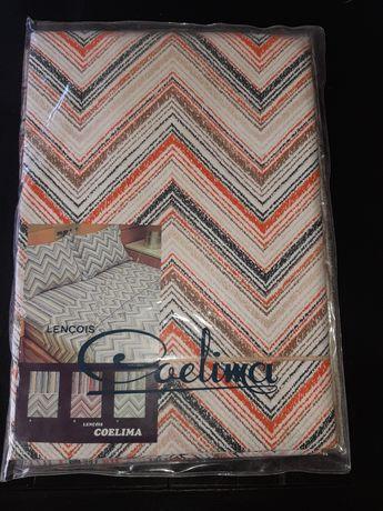 Jogo de lençóis para cama de casal, em algodão da Coelima. Anos 70.