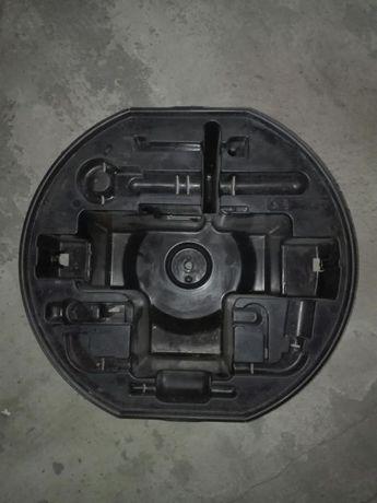 Organizer plastikowy na koło zapasowe Citroen C4