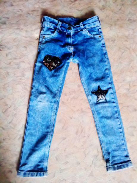 Продам джинсики на девочку с 4 до 6 лет