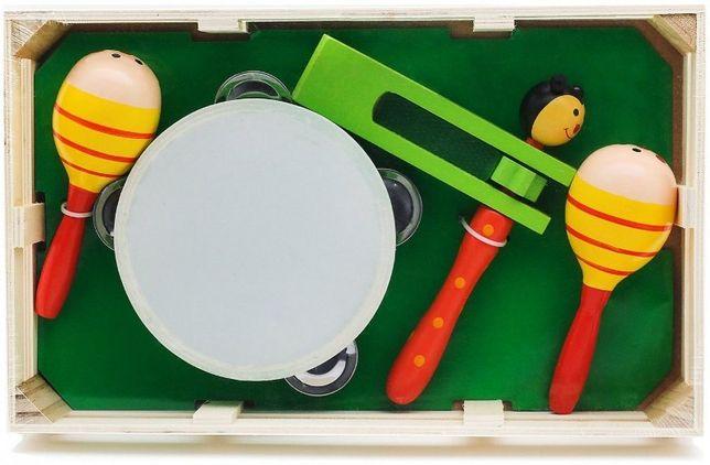Набор детских музыкальных инструментов: бубен, трещетка и 2 маракаса.