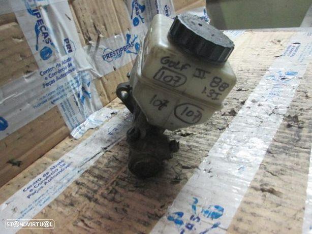Bomba de Travao 191611307 VW / GOLF 2 / 1988 / 1.3 I / GASOLINA /