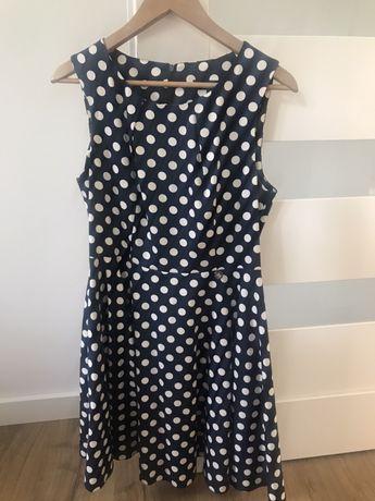 Sukienka w groszki idalna na święta