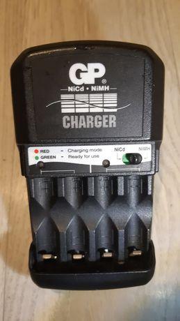 Зарядка акумуляторів АА ААА GP