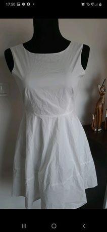 Biala sukienka zwiewna