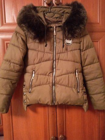 Весняна куртка жіноча