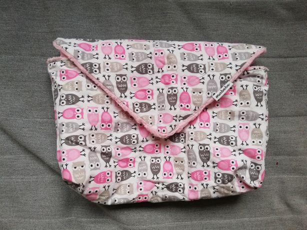 Etui na pieluszki od mabebe różowe sówki minky organizer kosmetyczka