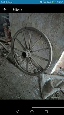 Stare koło. Ozdoba prl