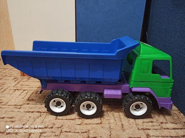 Большая машина грузовик