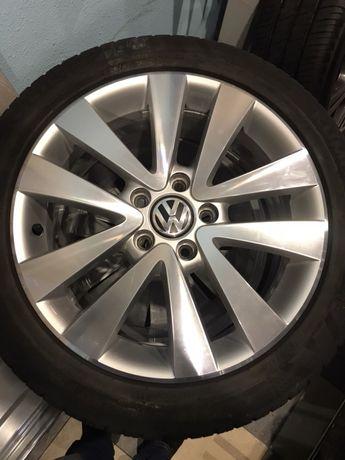 Диски Volkswagen Golf V VI Jetta Passat Touran R17 з шинами