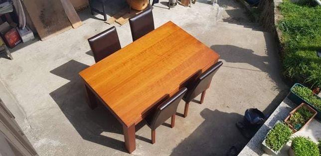Mesa de Sala com 1.65 por 1 metro, em Cerejeira maciça + 4 cadeiras em