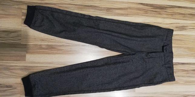 Eleganckie spodnie chłopieńce roz.152