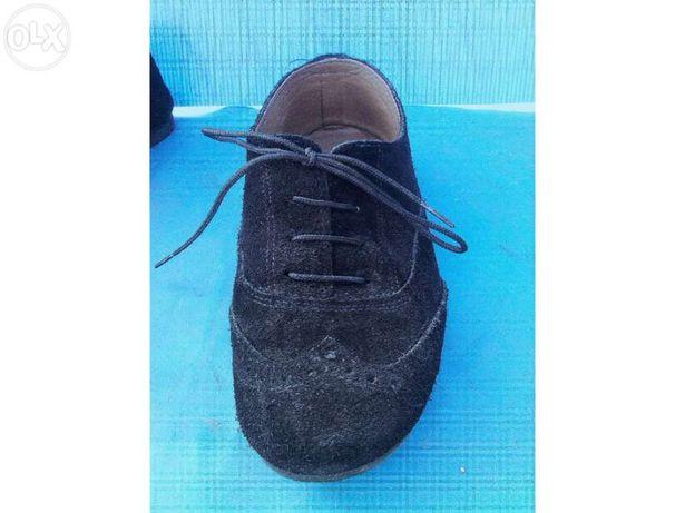 Sapatos de cabedal 36