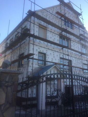 Утепление фасадов, стен домов пенопластом и минеральной ватой.