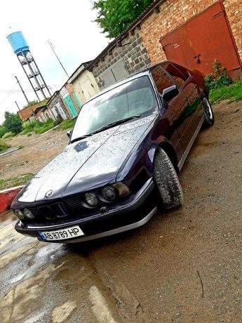Срочно BMW   e34    525