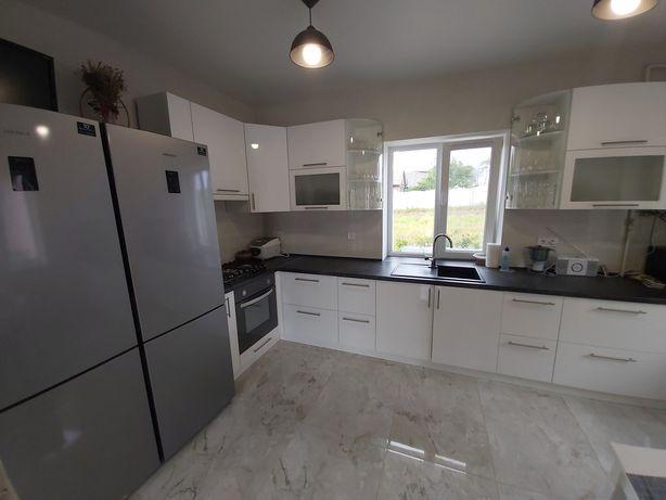 Продам сучасний новий будинок + 20 соток земельна ділянка