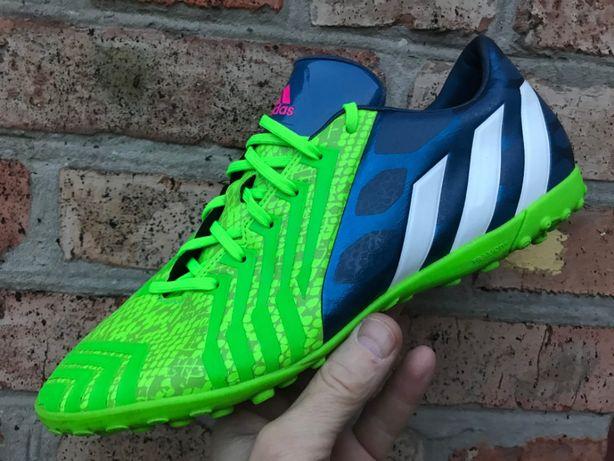 Кроссовки размер 28см Adidas Predator с дост по Украине.