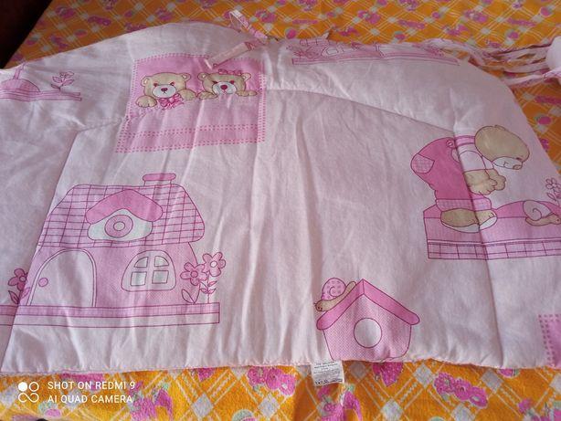 Бортик на детскую кроватку