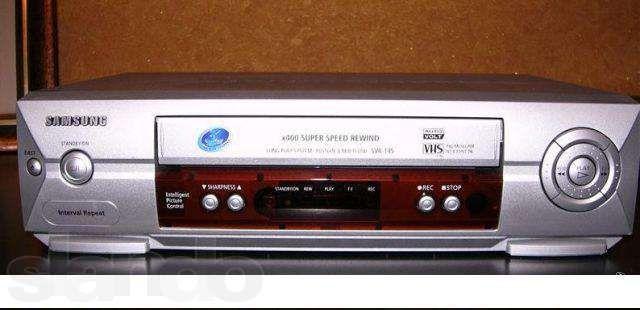Кассетный видеоплеер с возможностью записи Samsung SVR-145