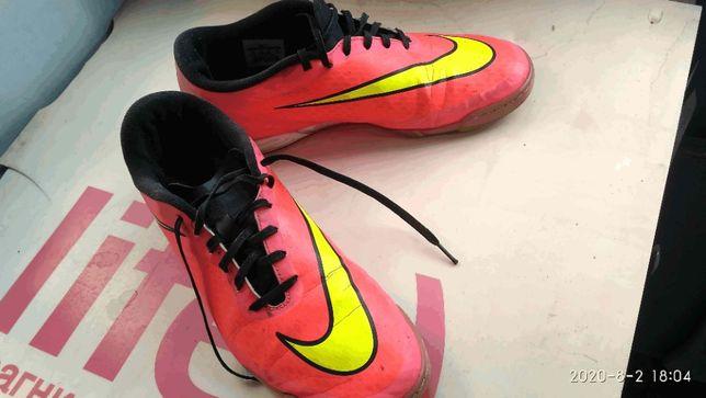 Копочки (кроссовки) футбольные Nike размер 46 , стелька 30см