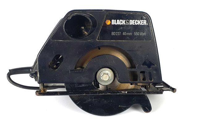 Pilarka Black Decker BD 227 czarna