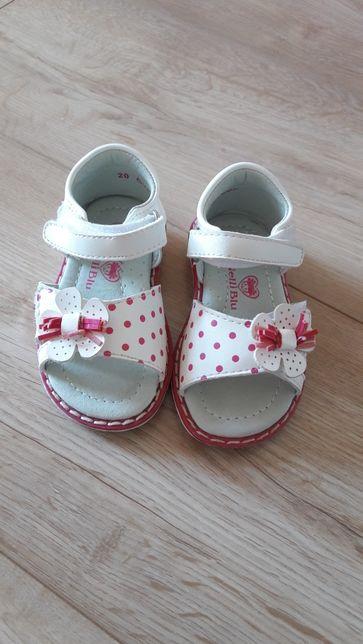 Sandałki jak nowe r 20