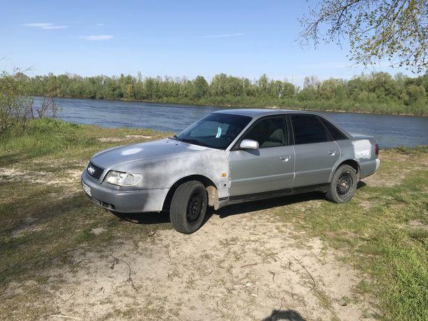 Audi A6C4 2,5tdi без торга