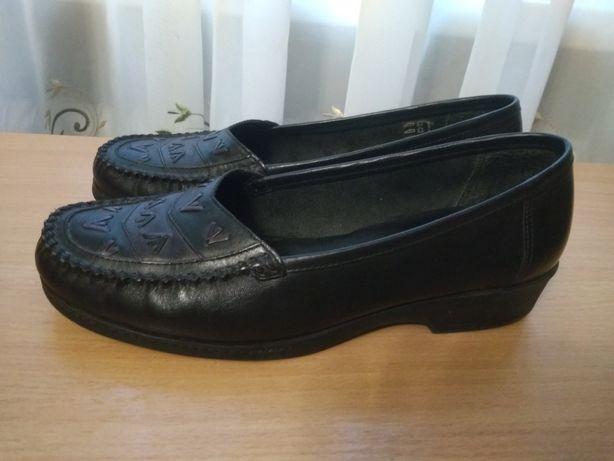 Туфли фирменные, кожаные