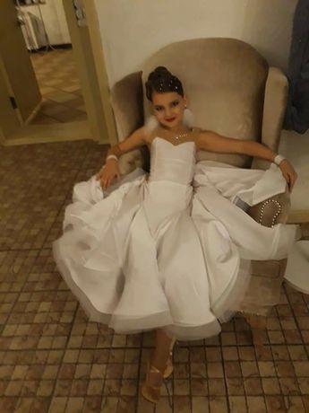 Платье стандарт для бальных танцев срочно,хороший тог