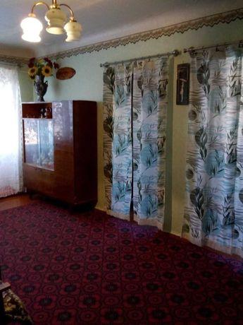 Продам 4-х комн. квартиру и гараж г. Красноград