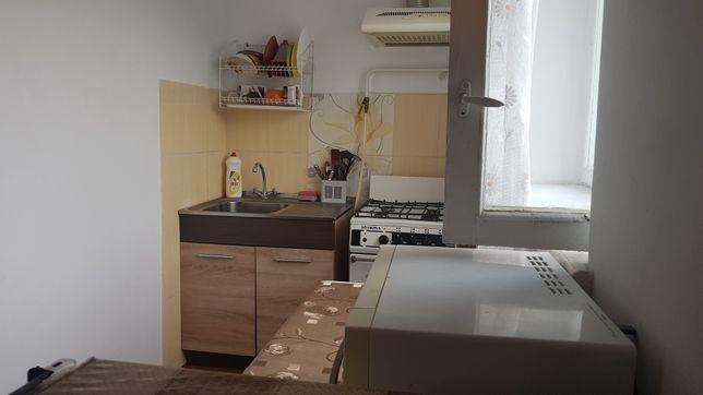 Продам однокомнатную квартиру - малосемейка на Вишенке
