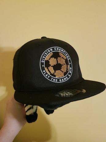 czapka nowa hm z odwracanymi cekinami